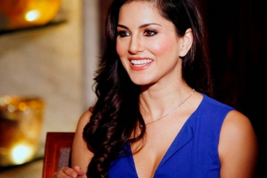 Indian Community in U.S. Tied Themselves to Backward India: Sunny Leone